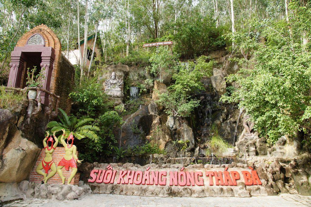 Suối Khoáng nóng Tháp Bà - 15 Ngọc Hiệp, Tp. Nha Trang, Khánh Hòa