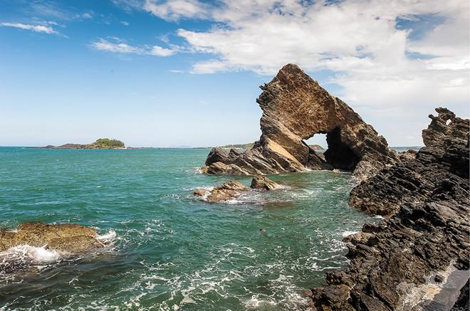 Ghềnh đá Bàn Than - Núi Thành - Quảng Nam